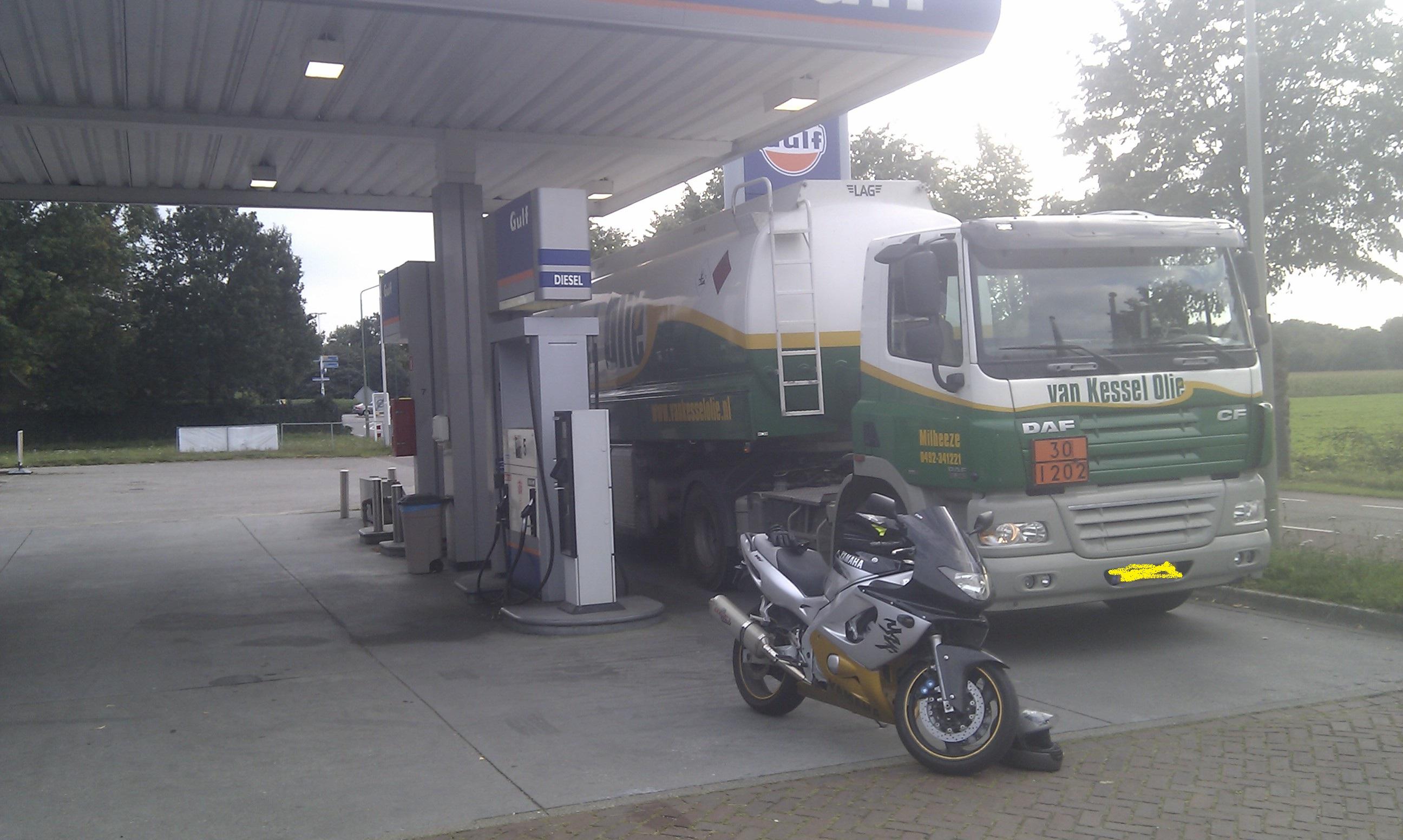 The riding game mf style ss and the rest 6 algemene motorpraat motor forum - Tuinmeubilair op een helling ...